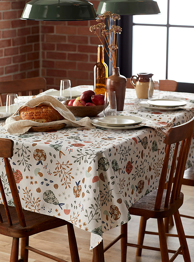 Flowering orchard tablecloth