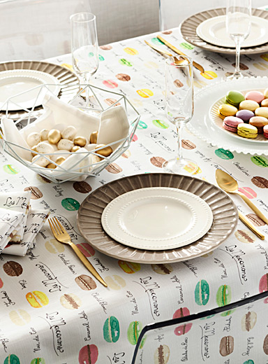 Macarons factory tablecloth