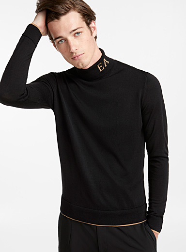 Initial turtleneck