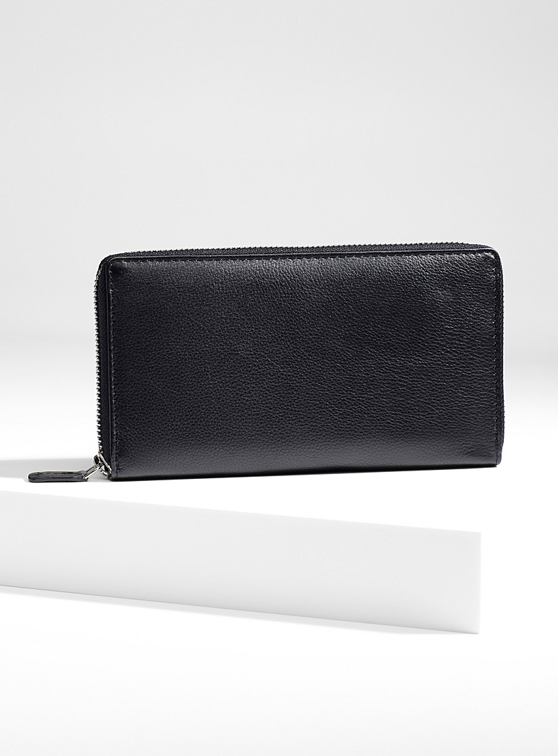 Zip leather wallet