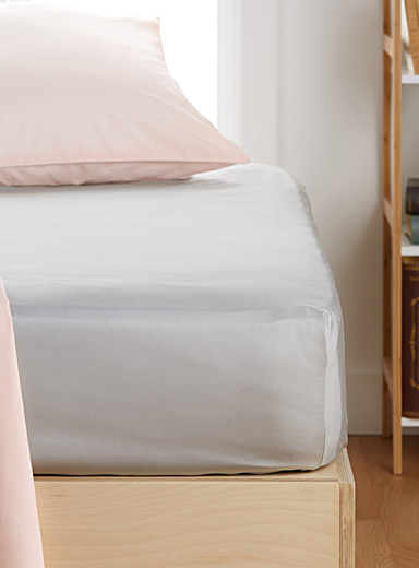 Bamboo rayon fitted sheet  Fits mattresses up to 16 in.