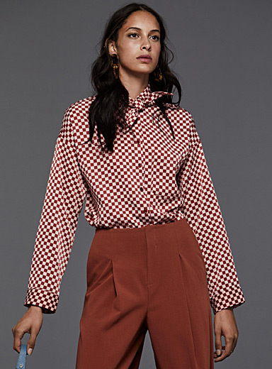 Scarf-collar shirt