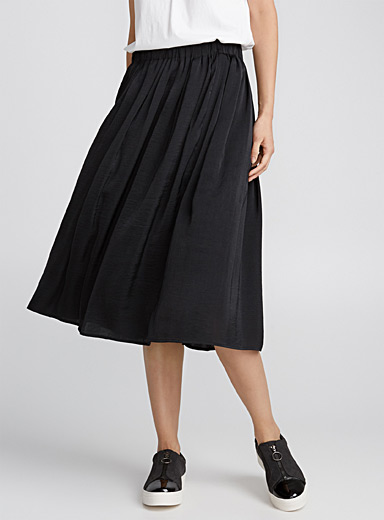 Hammered satin pleated skirt