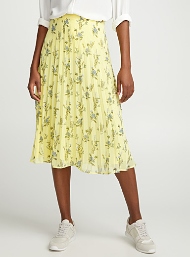 Pleated printed chiffon skirt