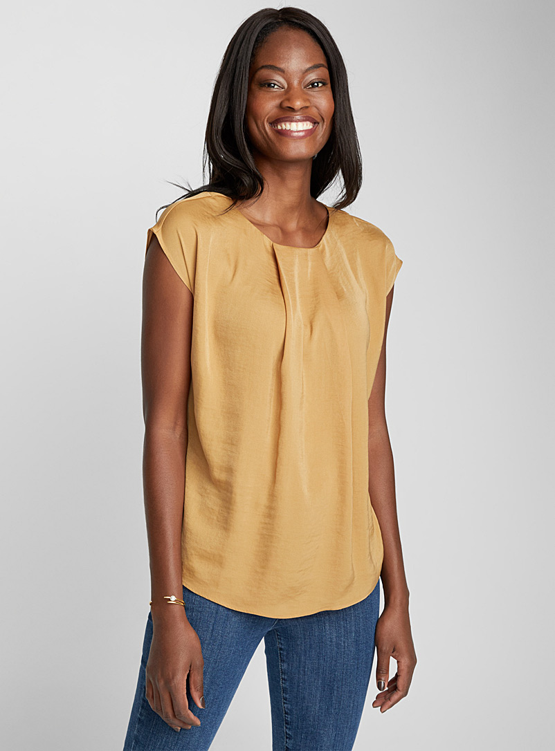 hammered-satin-pleated-collar-blouse
