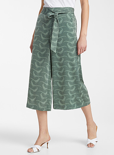 Icône Patterned Green Silky tie-waist culottes for women