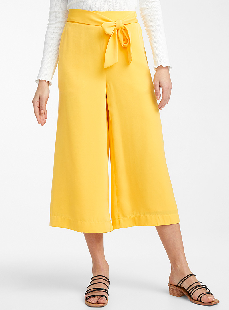 Icône Patterned Crimson Silky tie-waist culottes for women