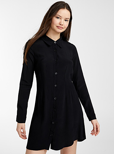 Buttoned shirtdress