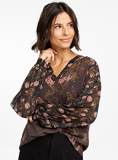 Fluid mixed floral blouse