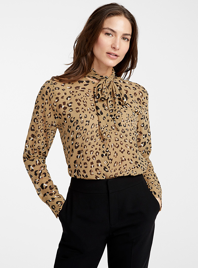 la-blouse-col-cravate-leopard