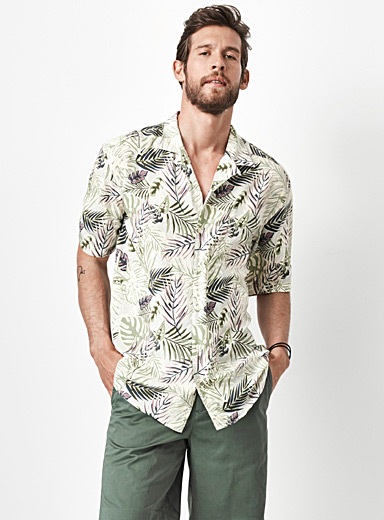 Fluid tropical camp shirt <br>Semi-tailored fit