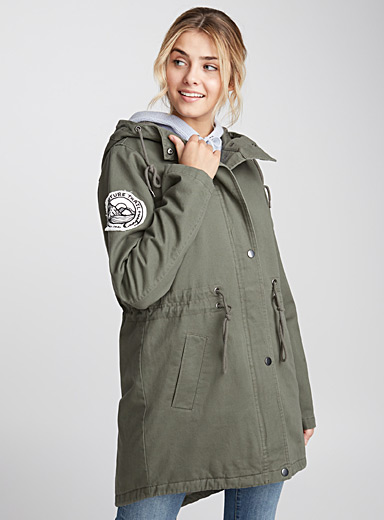 Accent patch parka