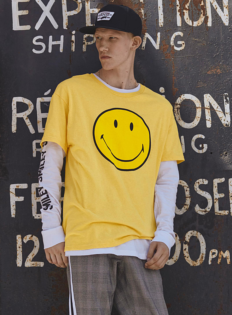 smiley-t-shirt