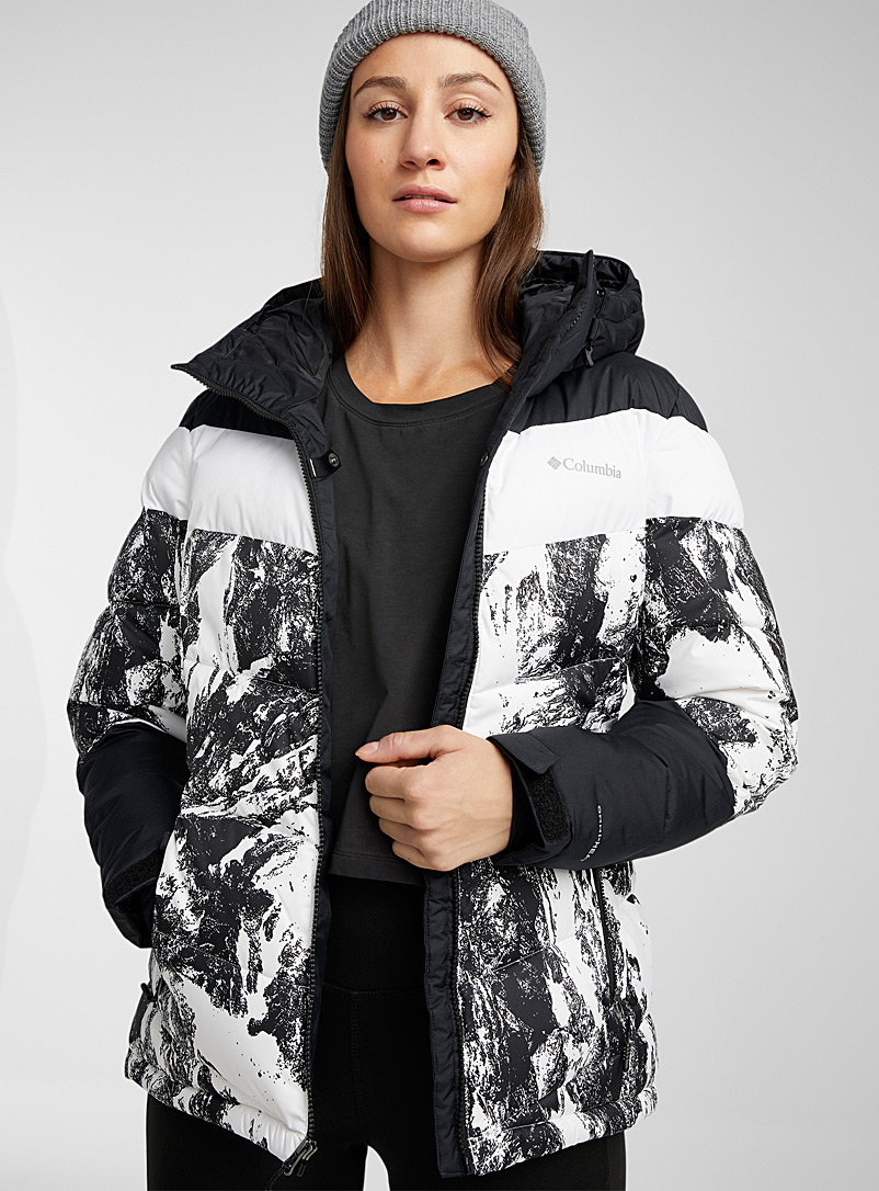 Columbia Black and White Abbott puffer jacket Regular cropped style for women