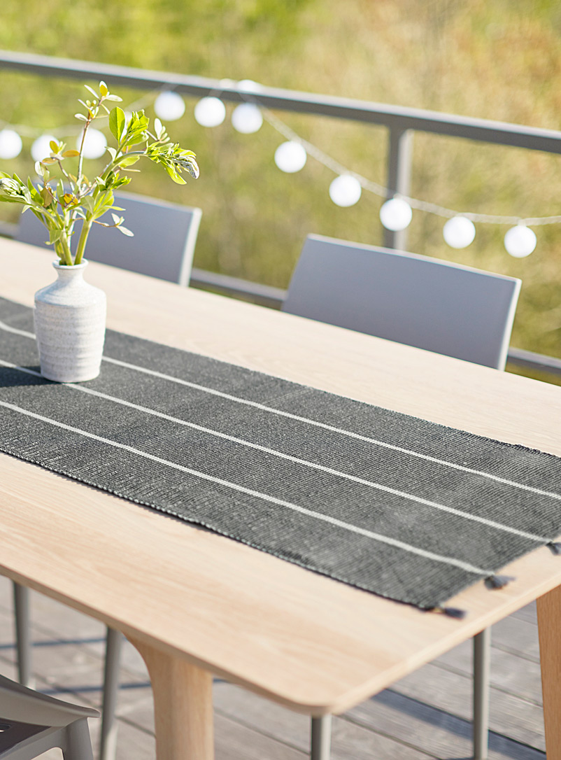 tassel-and-stripe-table-runner-br-45-x-200-cm