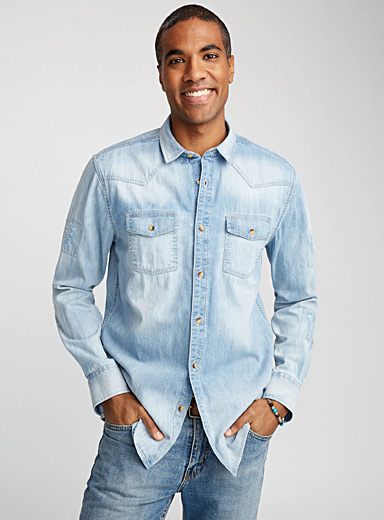 Western denim shirt <br>Semi-tailored fit