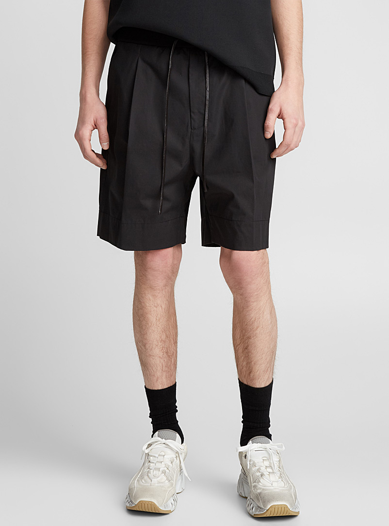 elastic-waist-pleated-short