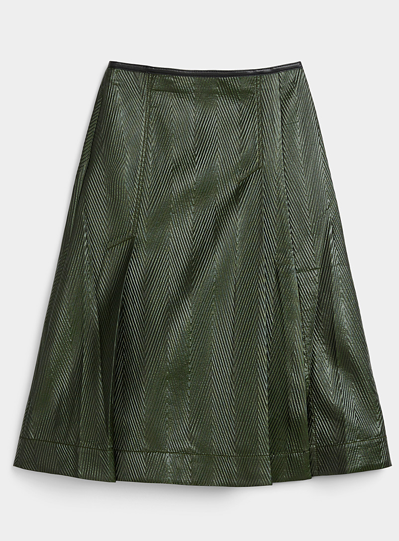 Oiled chevron pleated skirt