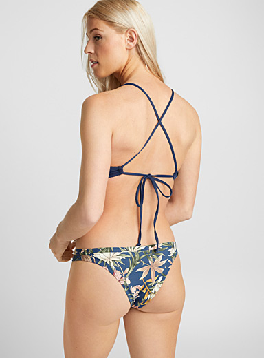 Itsy floral bottom