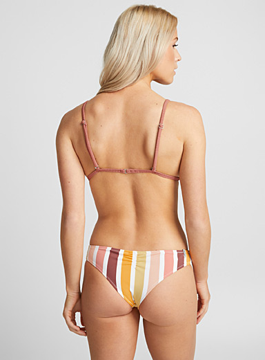 Vertical stripe bottom