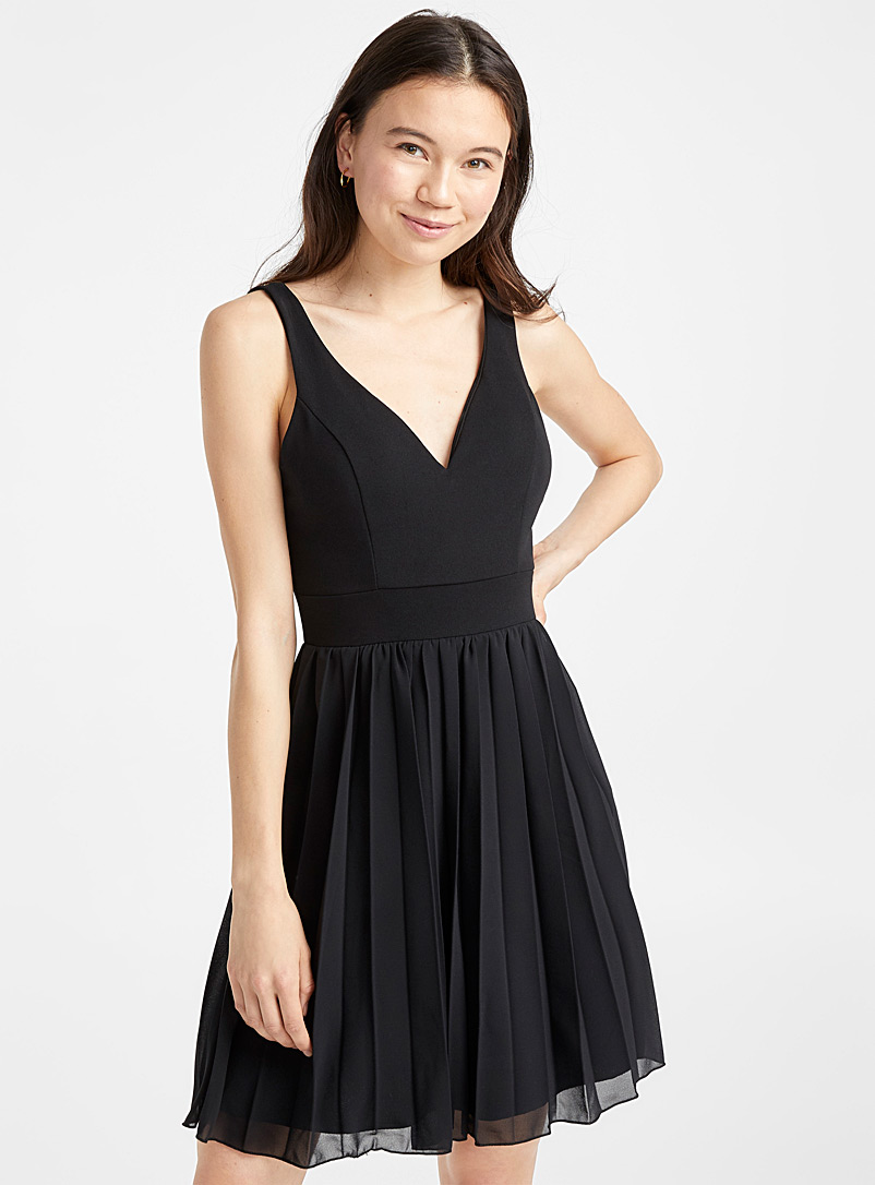 Pleated exotic dress - Fit & Flare - Black