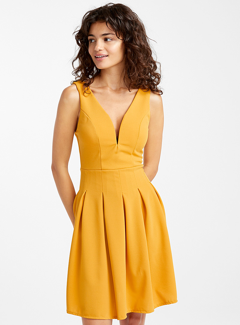 Accent-pleated dress - Short - Golden Yellow