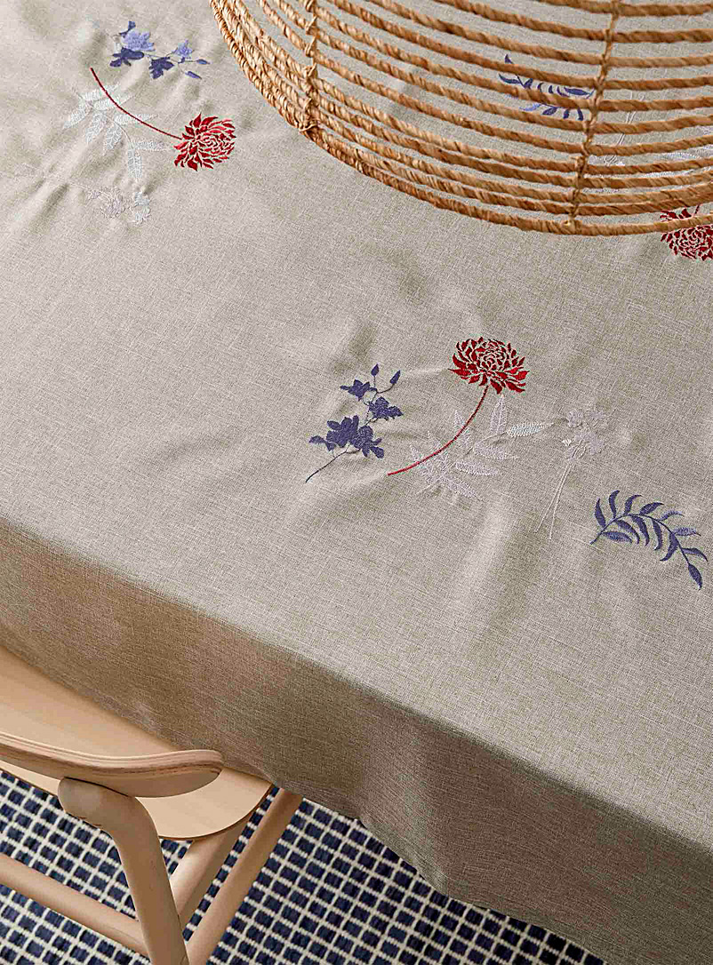 Simons Maison Assorted Japanese embroidered floral tablecloth