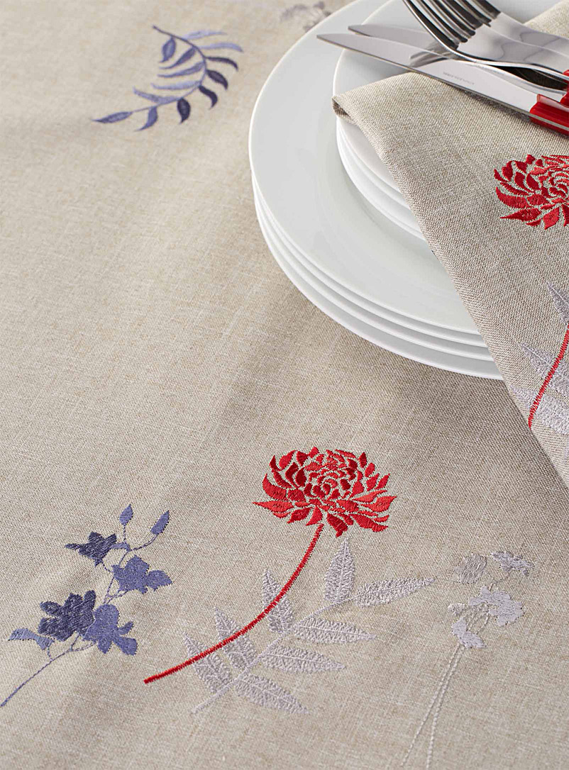 Japanese embroidered floral tablecloth - Embroidered - Assorted
