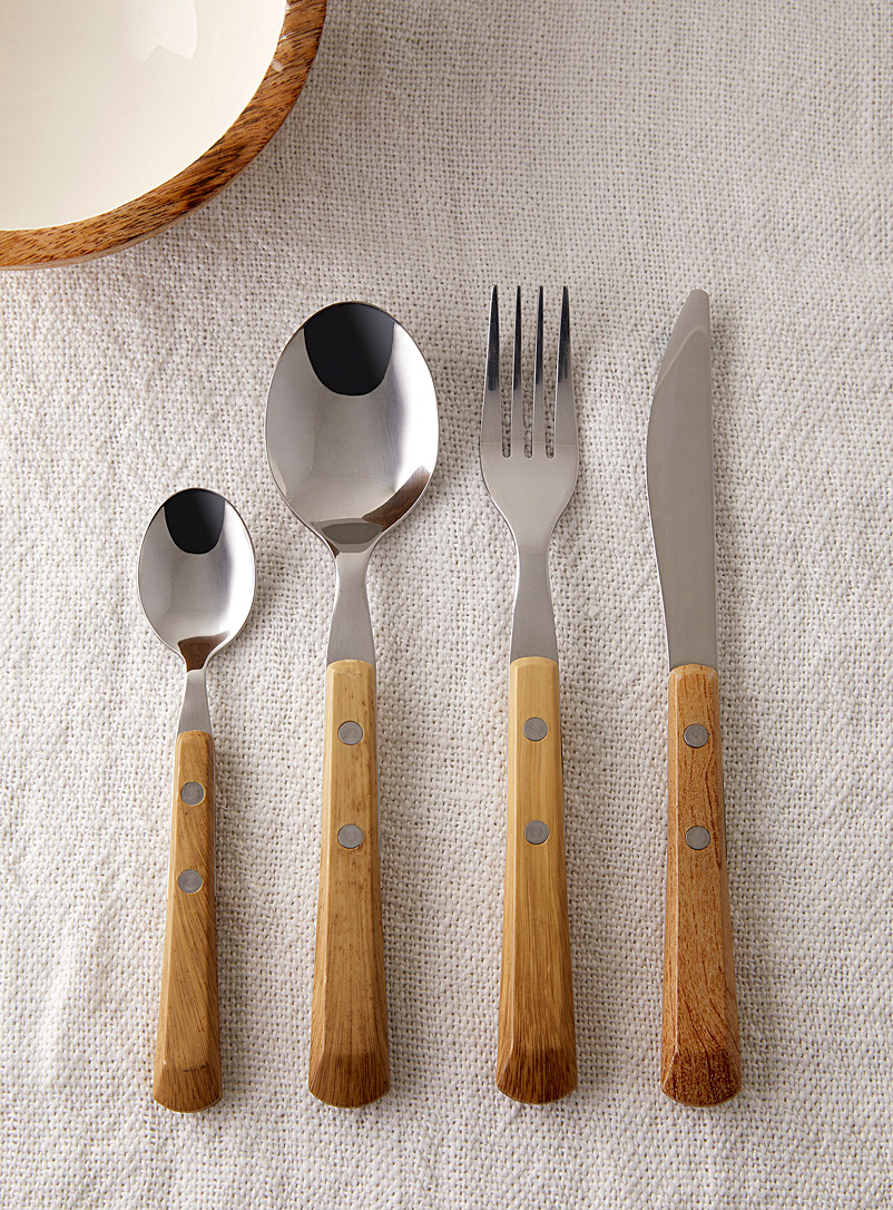 Faux-wood utensils  16-piece set
