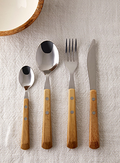 Faux-wood utensils <br>16-piece set