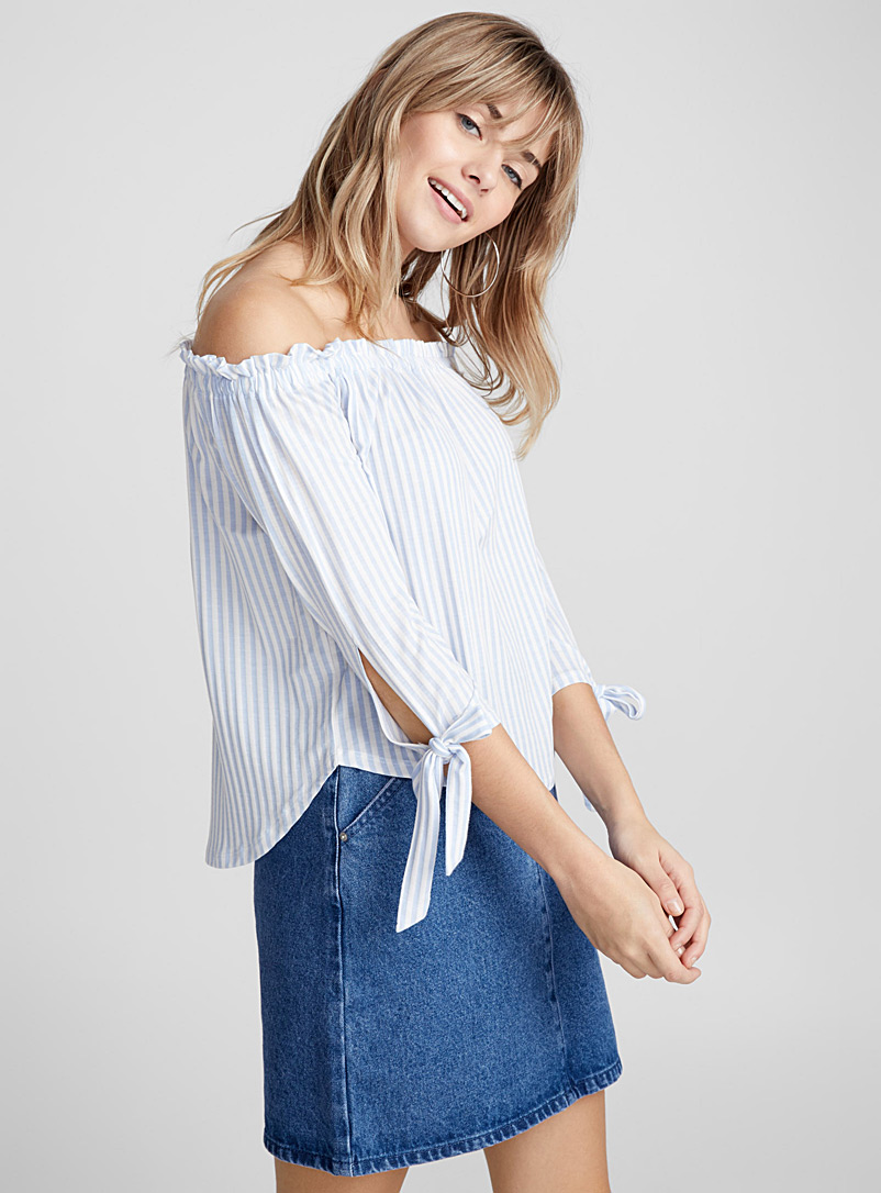 Accent bow off-the-shoulder tee - Short Sleeves & ¾ Sleeves - Patterned White