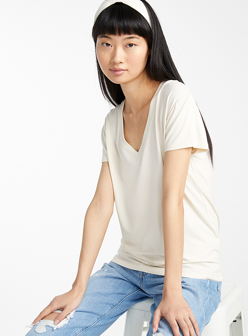 cotton-modal-v-neck-tee