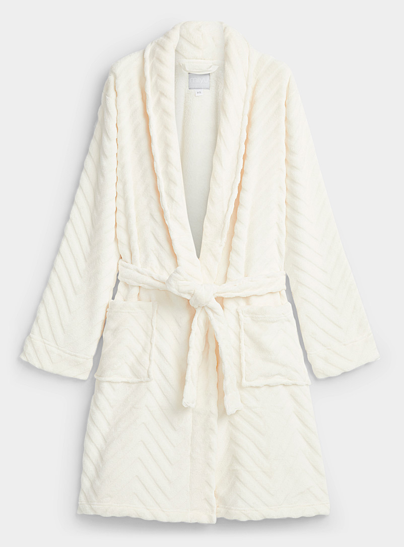 Miiyu Ivory White Plush chevrons robe for women