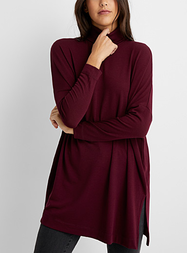 Contemporaine Ruby Red Loose turtleneck tunic for women