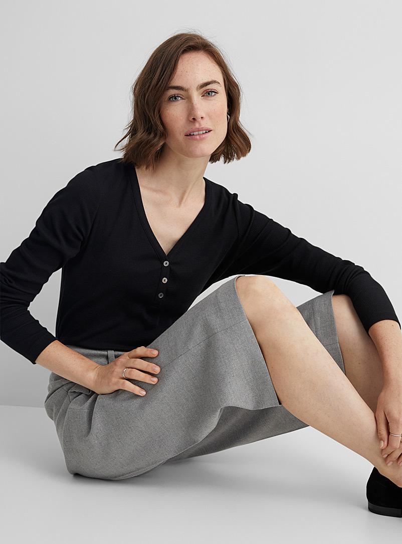 Contemporaine Black Ribbed henley T-shirt for women