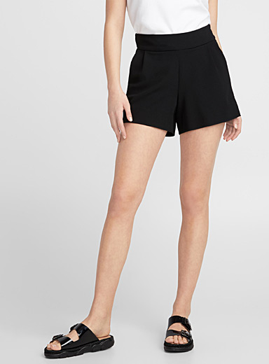 Stretch crepe short