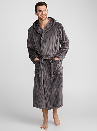 Chevron-textured polar fleece robe