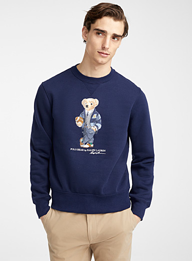 Le sweat ourson footballeur