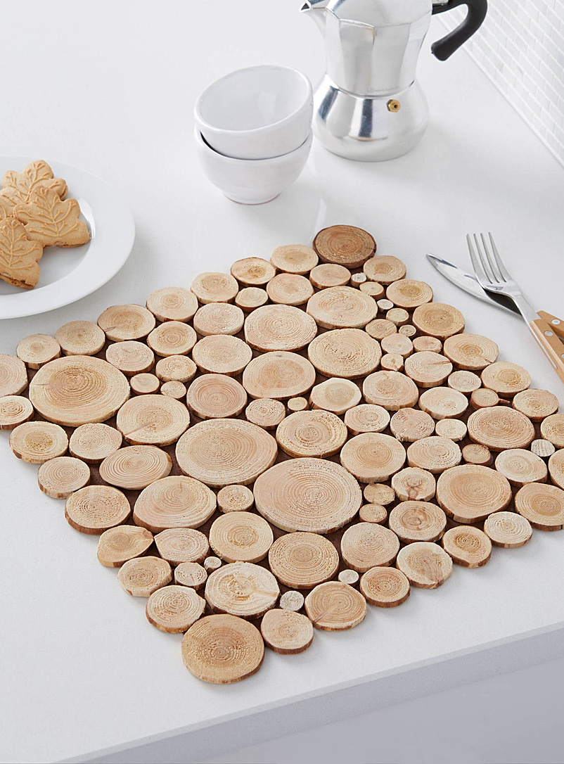 Mini wood slices square place mat simons maison hard for Small square placemats