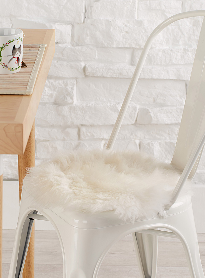 Soft sheepskin chairpad  34 cm round - Seat Cushions - Ivory White