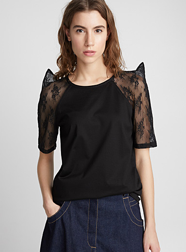 Le tee-shirt manches tulle