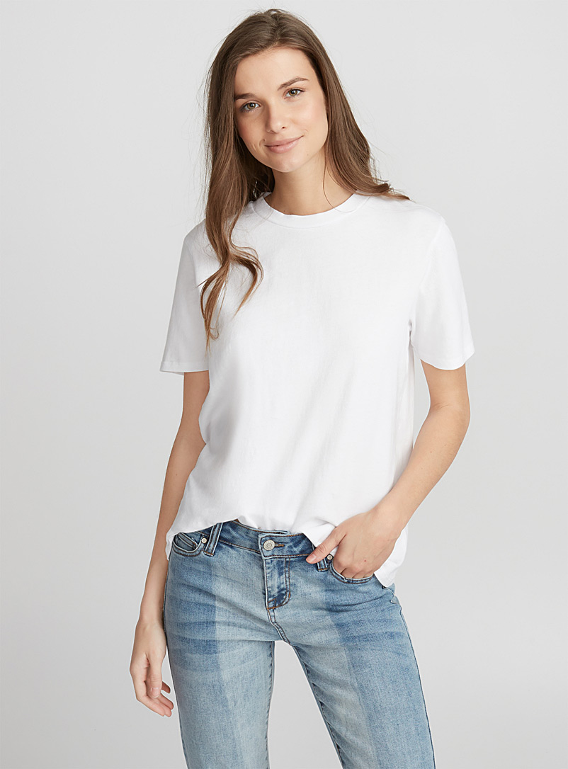 le-tee-shirt-col-rond-ample