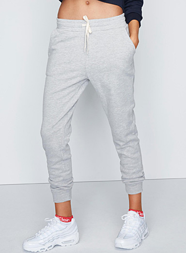 Solid basic jogger pant