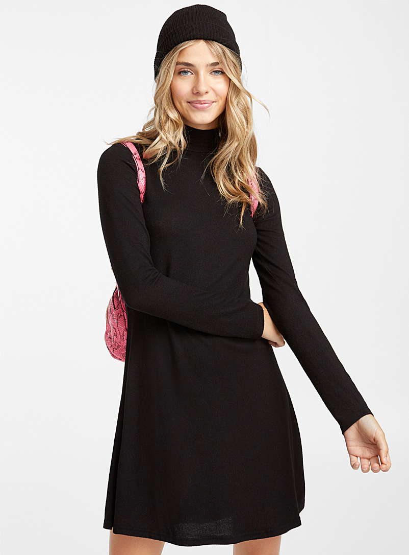 Ultra soft high-neck dress - Fit & Flare - Black