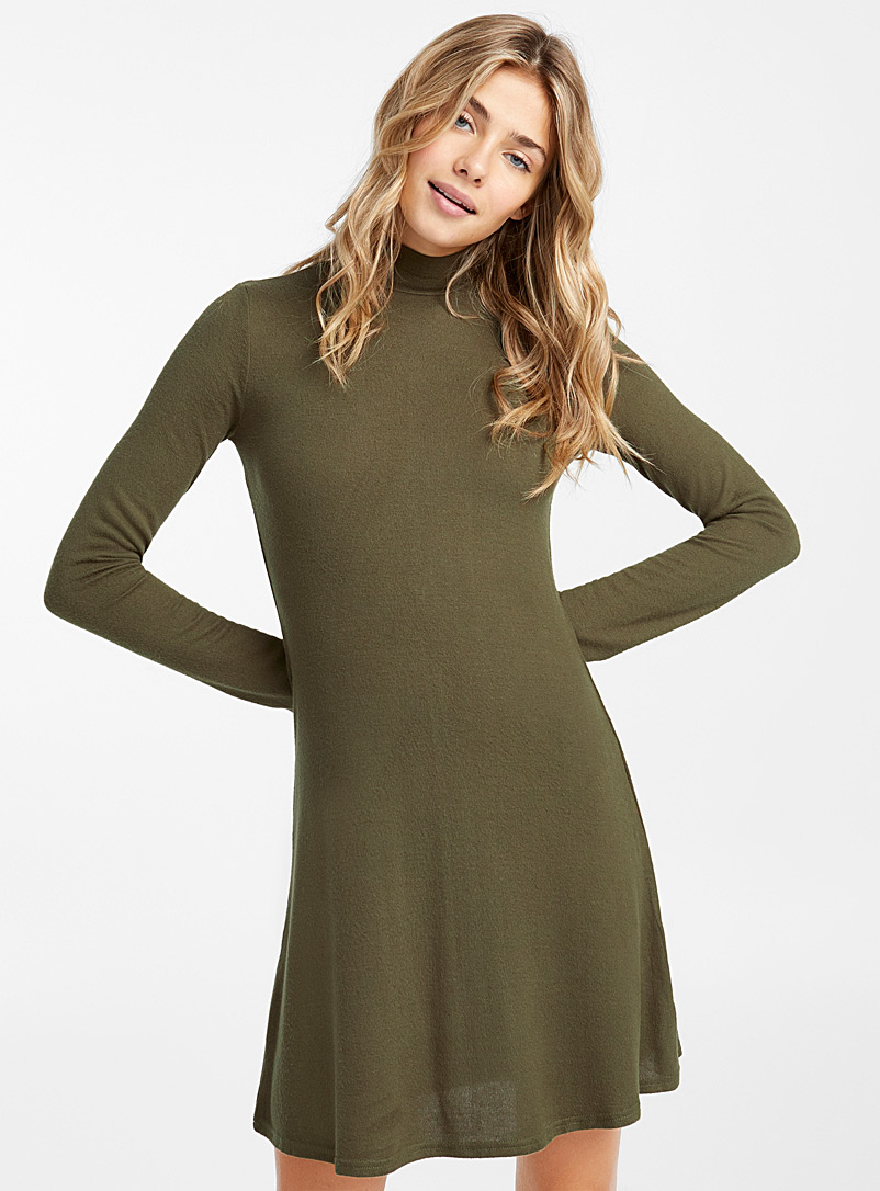 Ultra soft high-neck dress - Fit & Flare - Mossy Green