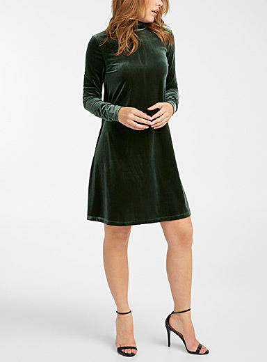 Icône Mossy Green Velvet mock-neck short dress for women