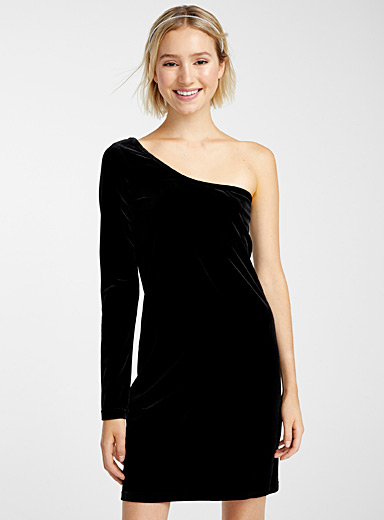 Velvet one-shoulder dress