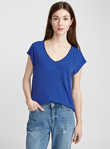 Sparkling collar stretch crepe tee
