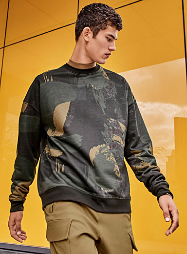 Le sweat sombre abstraction