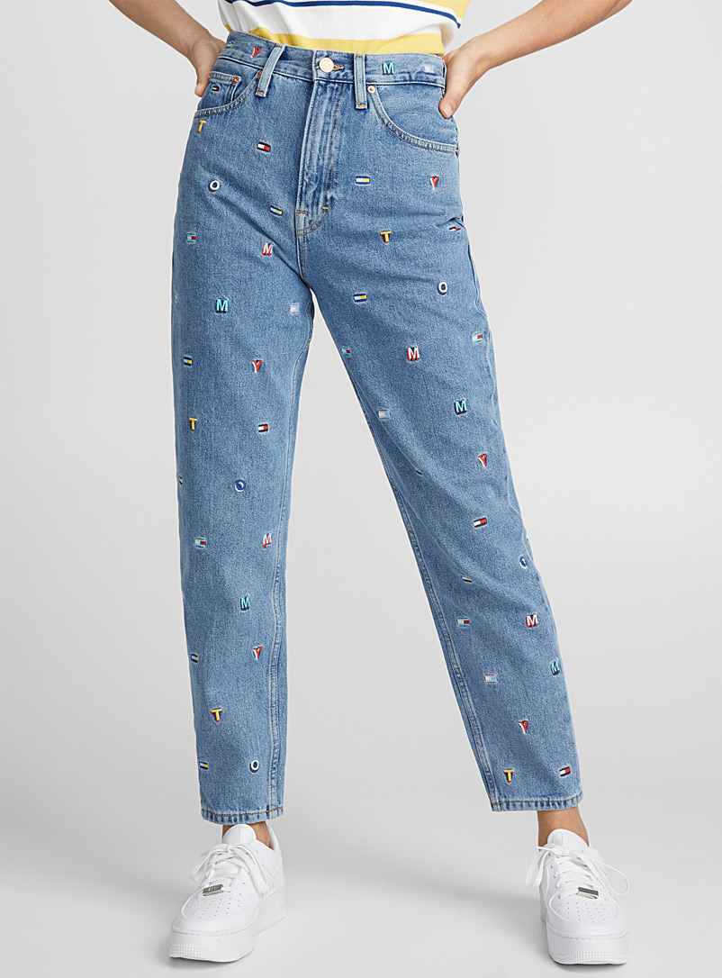 le-mom-jeans-broderies-signature